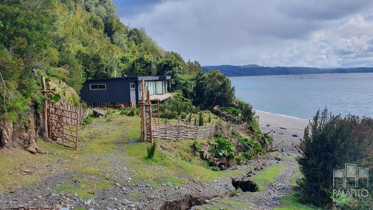 4 hectáreas con hermosa casa y orilla de Mar, Chonchi