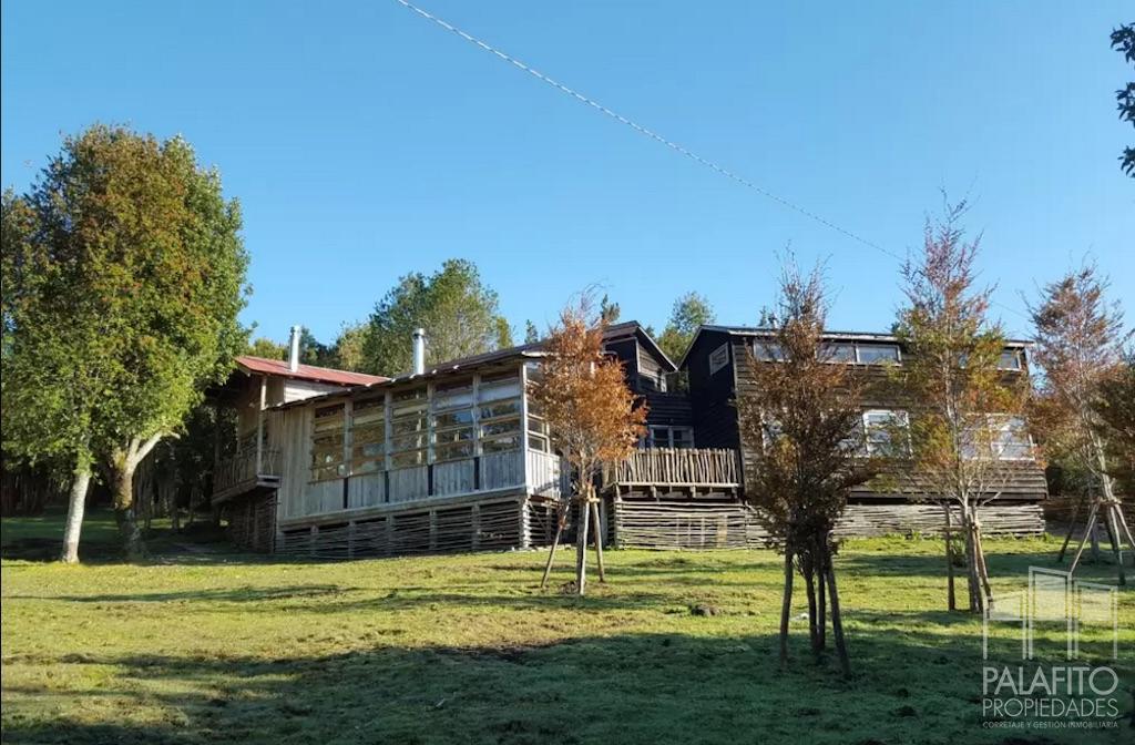 Hermosa casa en sector rural de Chiloé. Con vista al Lago Huillinco