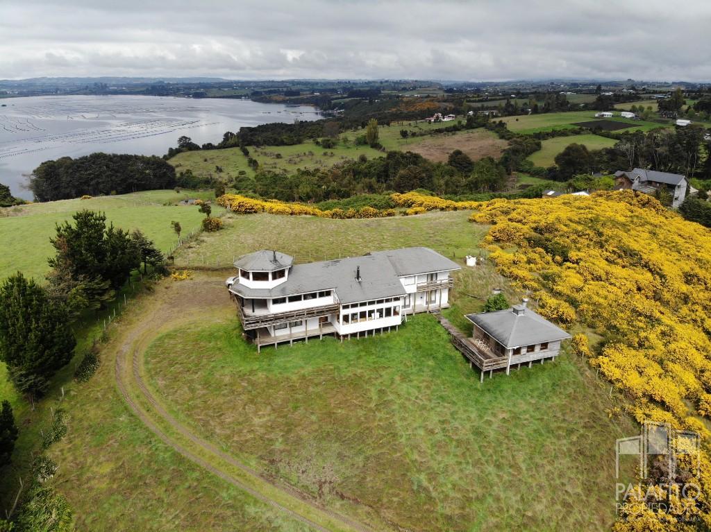 Propiedad a pasos de Marina de Quinched. Casa con 1,5 hectáreas.